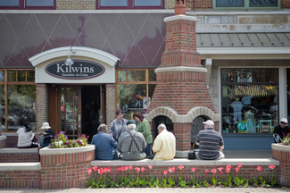 Clothing stores in holland mi